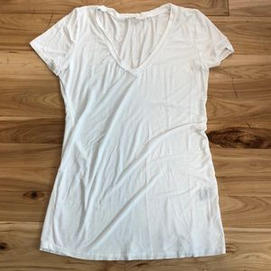 POL super soft tee with cute neck detail M